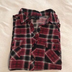 Plaid super soft long sleeve shirt.